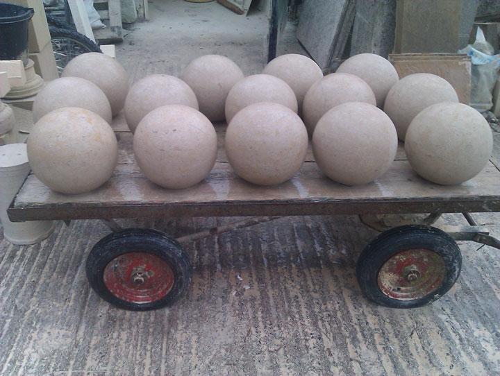 Lots-of-Balls