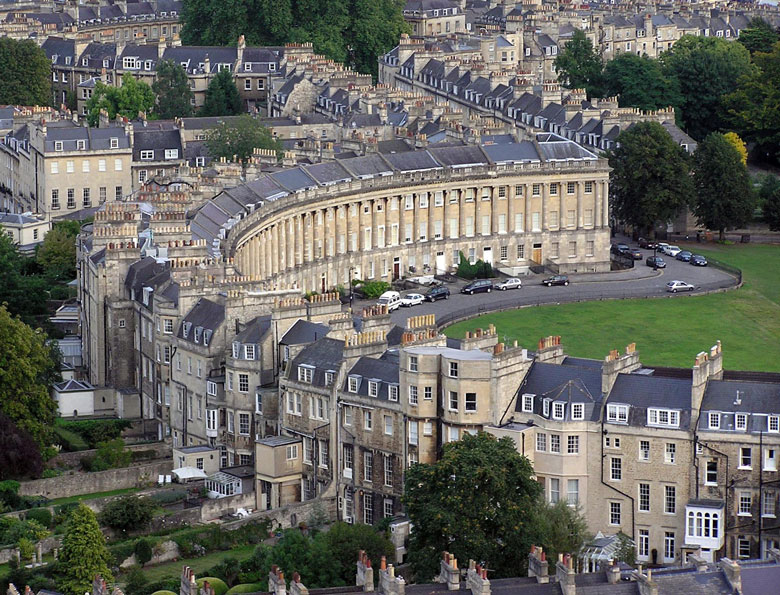 Royal_crescent_aerial_bath_